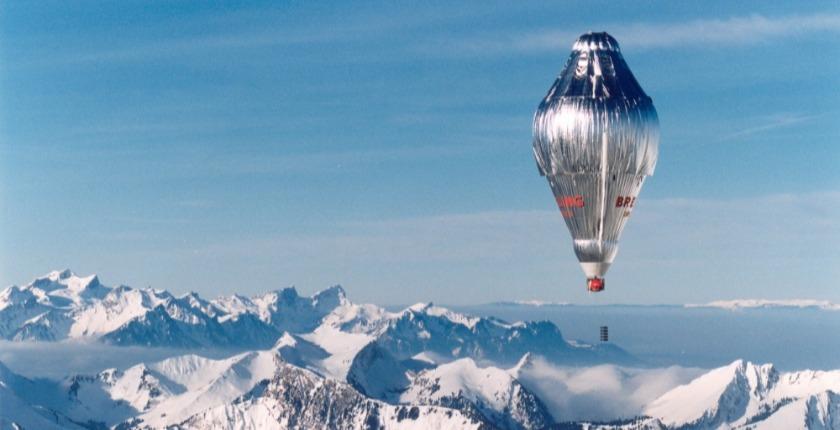 balloon over the mountains