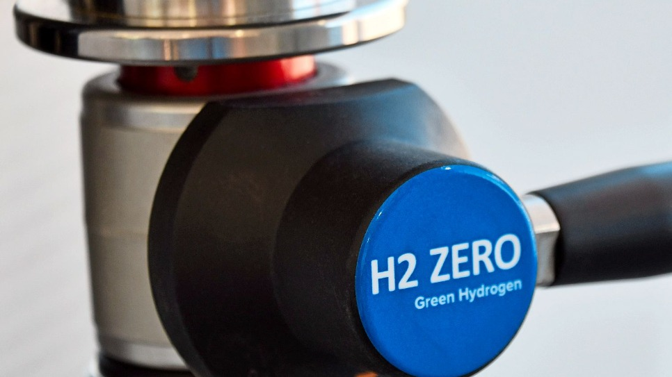 hydrogen charging pump