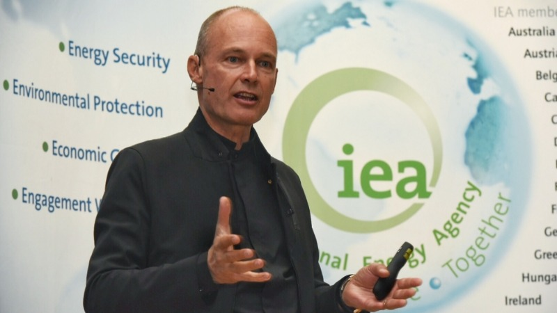 Bertrand Piccard speaks at the International Energy Agency: Watch the video