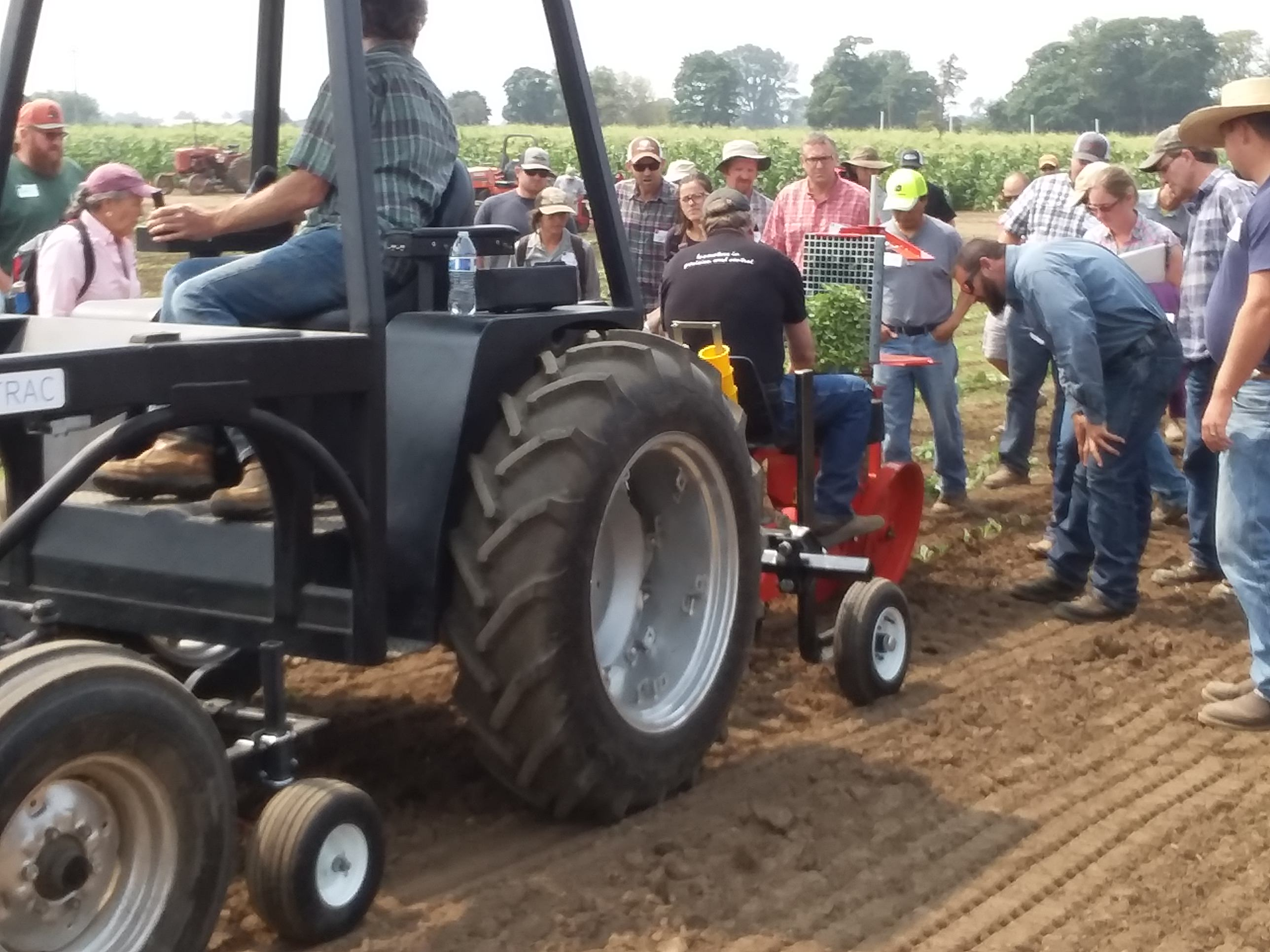 Gallery Solectrac Electric Tractors 4